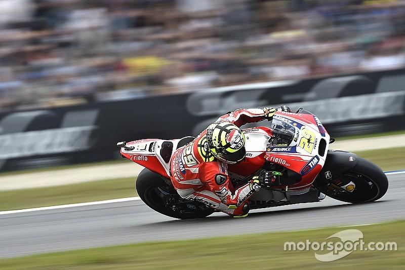 Andrea Iannone troisième mais seulement grâce au pneu tendre