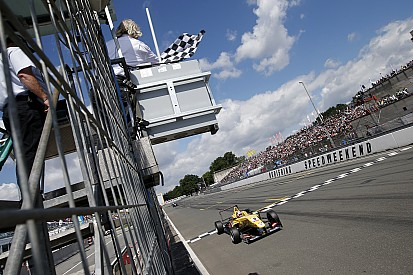 Giovinazzi wins Race 1 at Zandvoort from pole