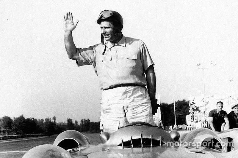 Detienen la exhumación de Fangio