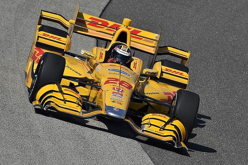 Hunter-Reay s'impose, premier abandon de la saison pour Montoya