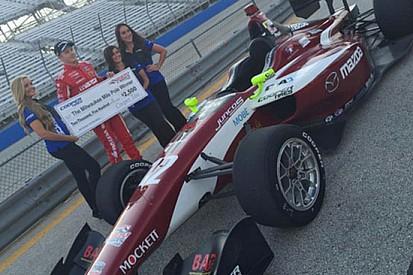 Spencer Pigot conquista la pole position a Milwaukee