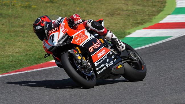 Oltre 150 giri al Mugello per Checa sulla Ducati SBK