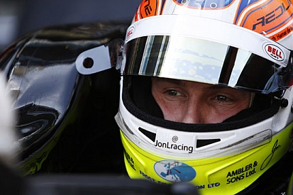 Jon Lancaster rientra con la Hilmer Motorsport