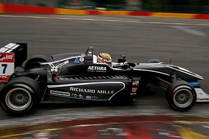 Charles Leclerc vince gara 1 a Spa e diventa leader