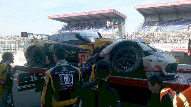 Le Mans: si cerca di riparare la Corvette di Roda