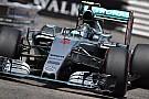 Hamilton beffato, la Mercedes regala il Gp a Rosberg!