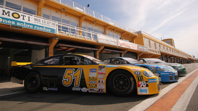 NASCAR Whelen: line-up internazionale per CAAL