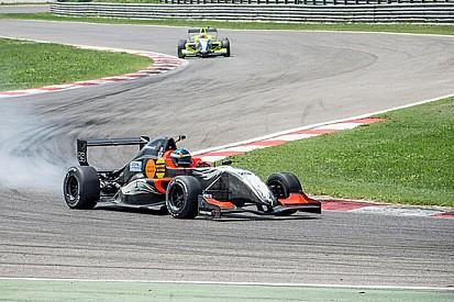 Ben 24 piloti al via ad Imola nella F2 Italian