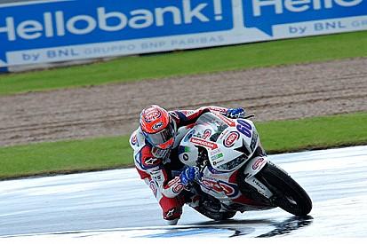 Van der Mark vince in rimonta a Donington
