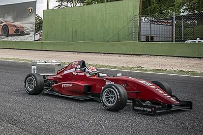 Perullo contende la pole alla F3 di Milani
