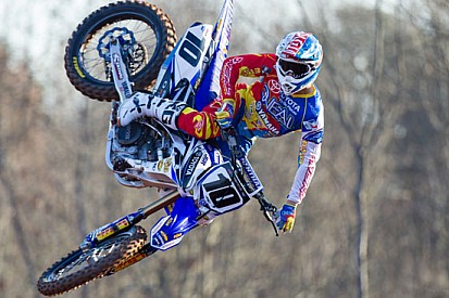 "Pirelli ""motorcycle tire"" sponsor dell'AMA Supercross"