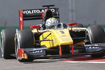 Marcus Ericsson soffia la pole a Rossi ad Abu Dhabi
