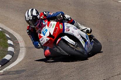 Michael Dunlop cala il poker in gara 2 della Supersport