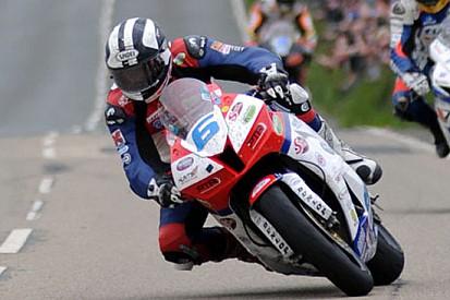 Michael Dunlop raddoppia con gara 1 della Supersport