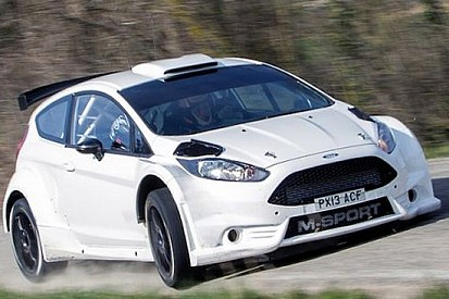 La Ford Fiesta R5 fa progressi anche sull'asfalto