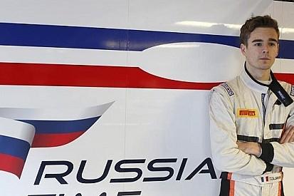 Tom Dillmann firma con la Russian Time