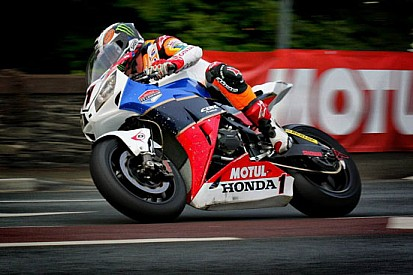 McGuinness in pole position tra le Superbike