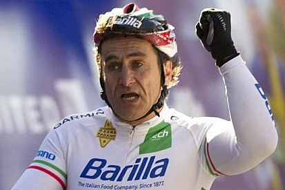 Alex Zanardi ha vinto la Maratona di New York!