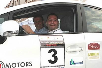 Totò Riolo alla Targa Florio con una Peugeot 207