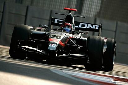 Jakes vola nella prima giornata di test ad Abu Dhabi