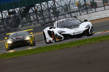 Wet start to the 2015 Total 24 Hours of Spa