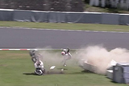 Stoner in violent Suzuka 8 Hours crash after throttle jams