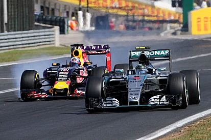 """Rosberg tyre call """"unfortunate"""" admits Wolff on """"crappy day"""""""