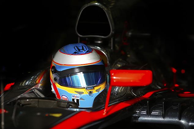 ألونسو يقود مكلارن للقسم الثاني من التجارب التأهيليّة في البحرين