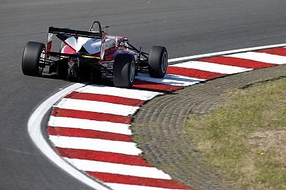 Rosenqvist edges Dennis for first Spielberg pole