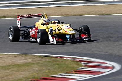 Розенквист выиграл поул второй гонки, Джовинацци – третьей