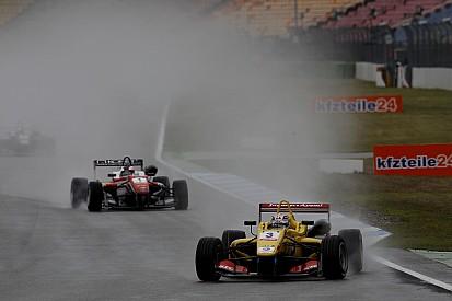 Дождь подарил победу в третьей гонке Джовинацци