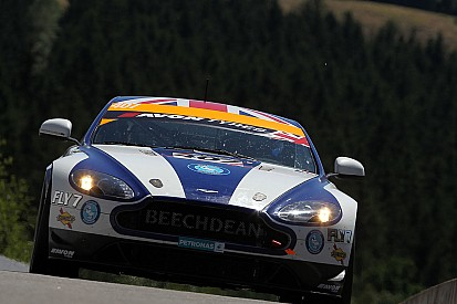 Beechdean's young rookies on the verge of British GT4 title