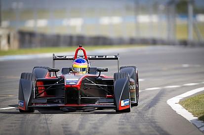 Villeneuve llega a la Fórmula E porque ama competir