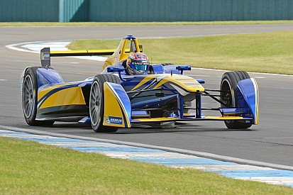 Buemi fastest on opening day of pre-season testing