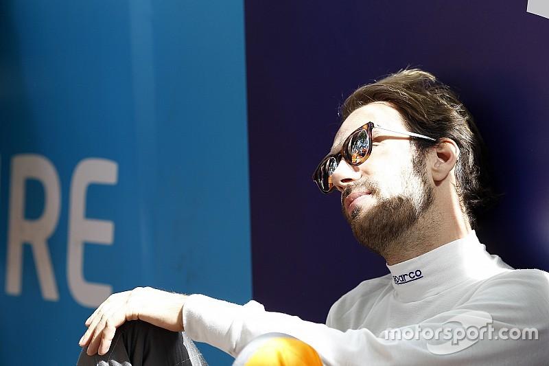 """Vergne - """"On est trois pilotes pour deux baquets"""" chez Haas"""