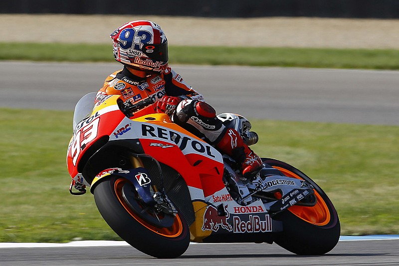 """Marquez willing to """"take risks"""" to catch Yamaha duo"""