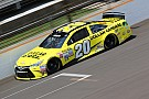 Kenseth conquista a pole para Michigan; Gibbs domina grid