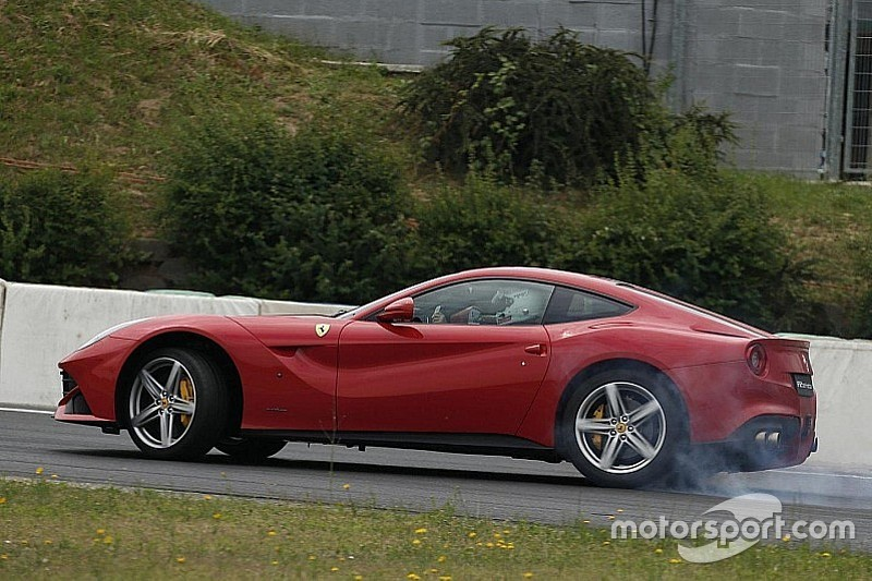 Vidéo - Vettel teste la Ferrari F12 Berlinetta