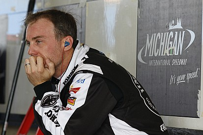 Harvick displays strong practice pace at Michigan