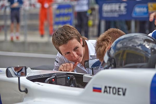 Другие Формулы Атоев выиграл все три гонки в Аластаро
