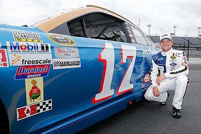 Stenhouse to run Pearson-inspired throwback scheme at Darlington