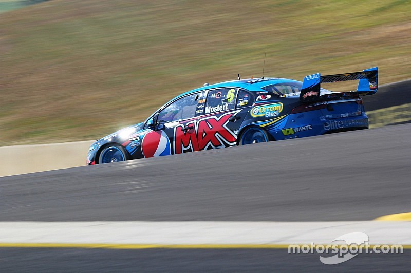 Mostert fastest in second V8 session