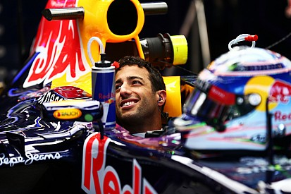 """Ricciardo says """"helping hand"""" needed to fight for win"""