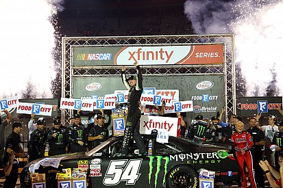 Kyle Busch grabs milestone win on late-race restart