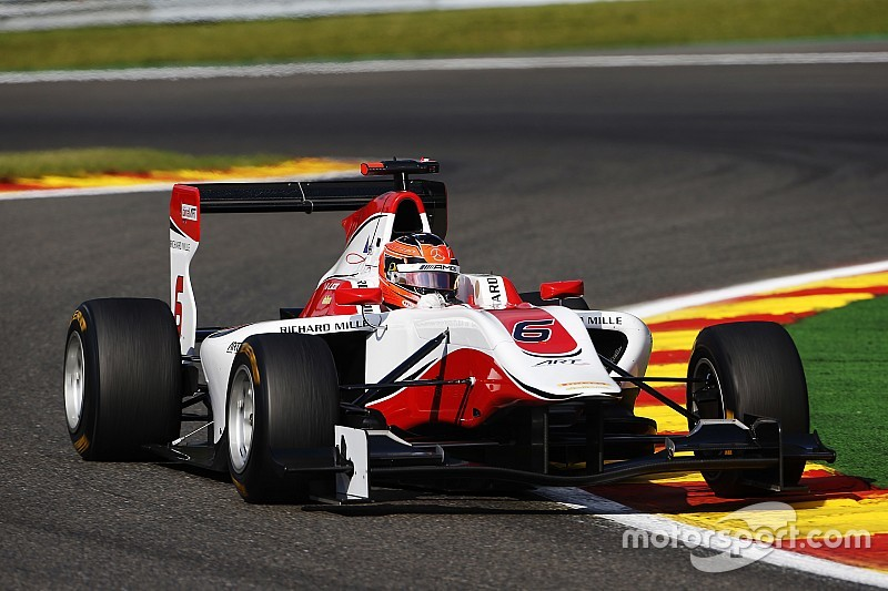 Spa GP3: Ocon holds off Bernstorff to win chaotic race
