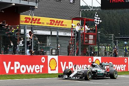 """Em """"quadro de medalhas"""" da F1, Senna tem vantagem sobre Hamilton"""