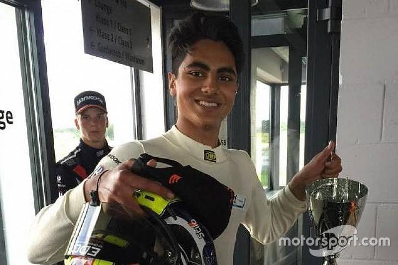 Ахмед выиграл первую гонку в Пярну