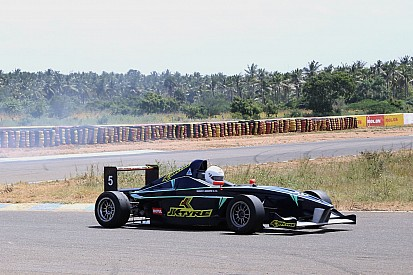 Mahadik grabs double pole for JK Tyre weekend