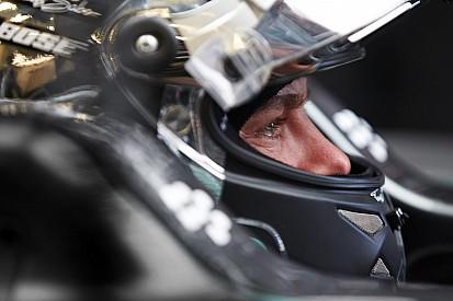 Rosberg accuse le coup après son abandon tardif