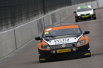 Rockingham BTCC: Plato denies Ingram in race 3